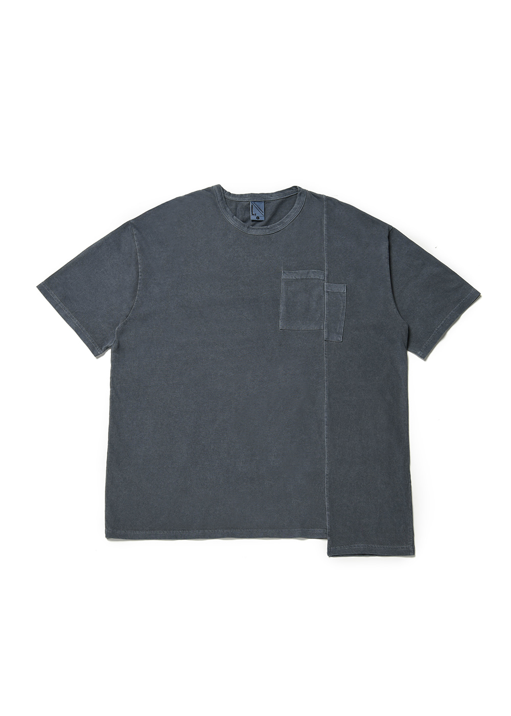 Asymmetry half T-shirt [old navy]